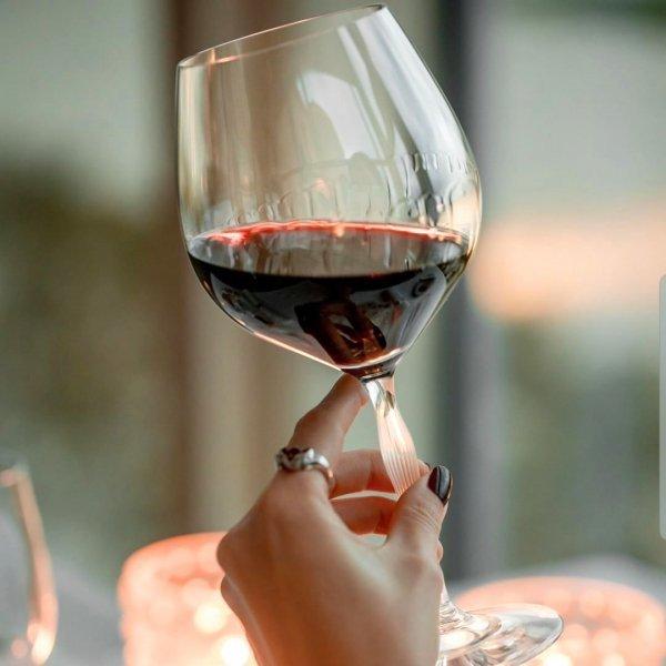 verre-vin-rouge-100-points-Lalique-france