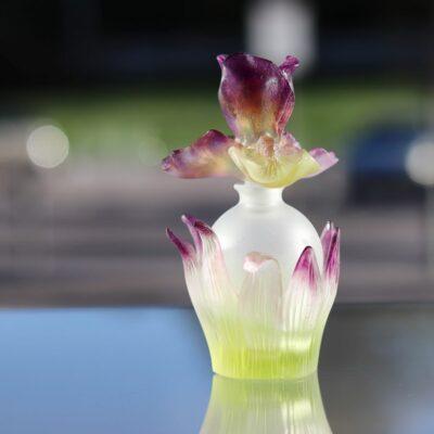 flacon en pate de cristal iris Daum France