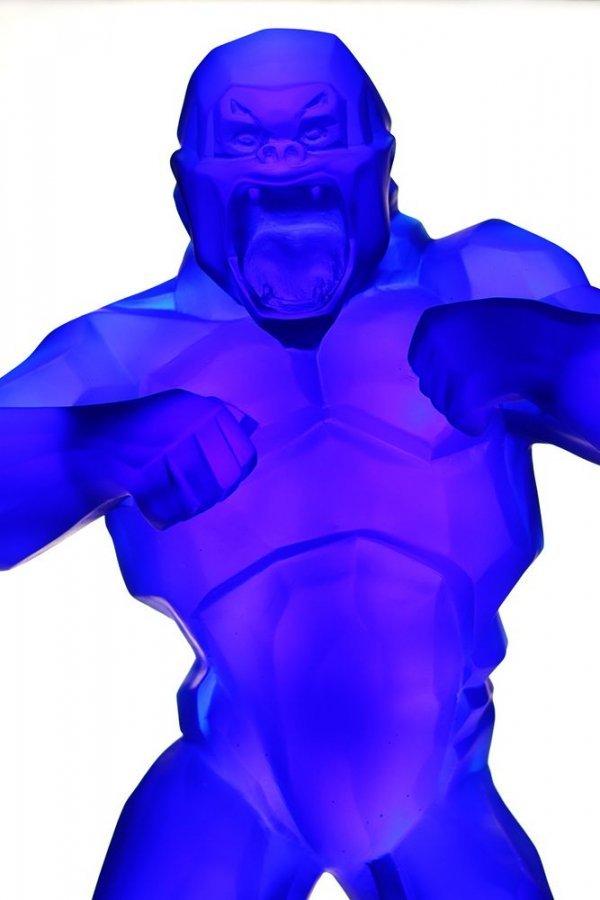 fave avant gorille Kong en pate de cristal bleu Daum France