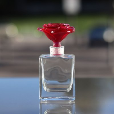 flacon-de-parfum-rose-daum