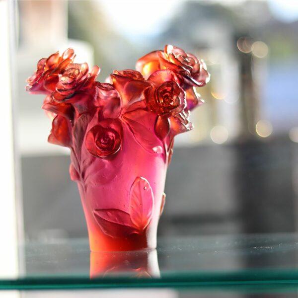 vase en pate de cristal rouge rose Daum France