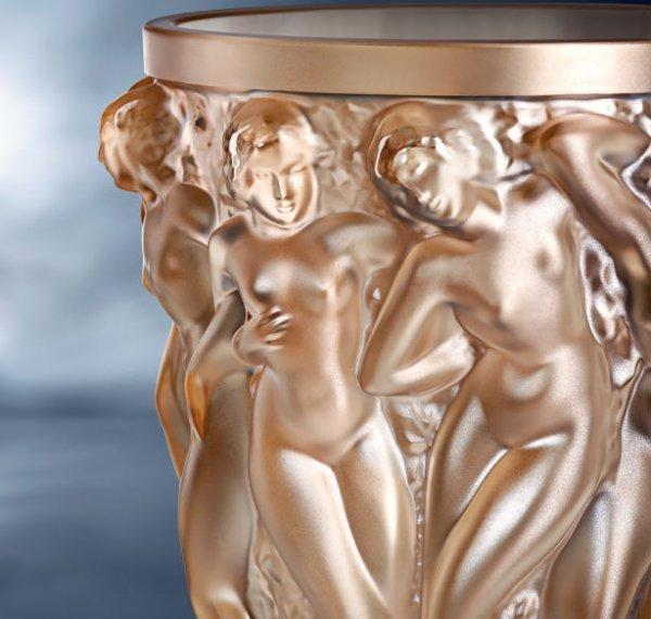 Vase-bacchantes-lustre-or-lalique