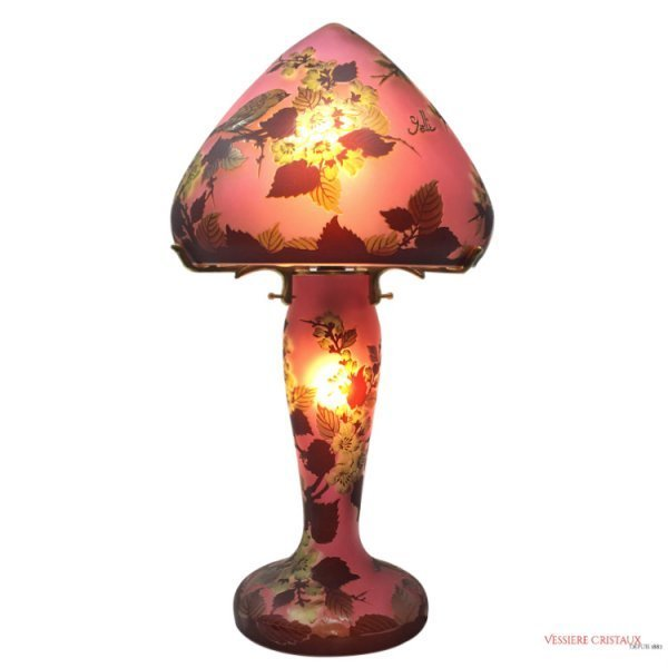 Lampe-pate-de-verre-rose-type-Galle