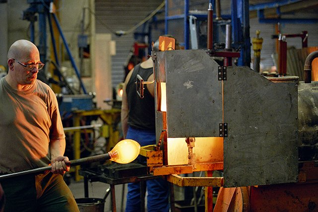 fabrication-du-cristal-baccarat