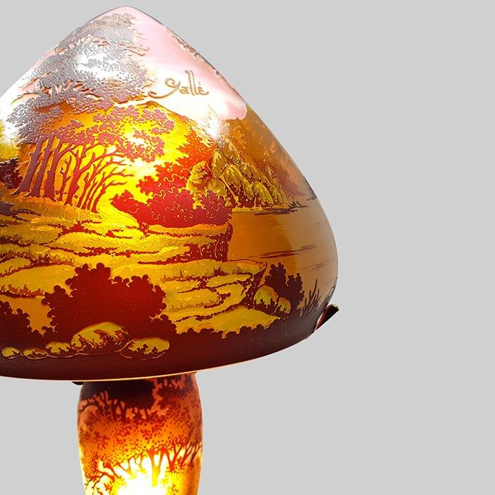 Lampe tip gall d cor nature vessiere cristaux - Lampe pate de verre ...