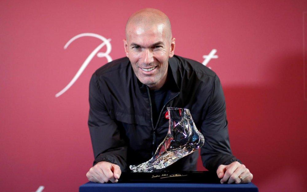Pied-cristal-Baccarat-zizou-Zidane