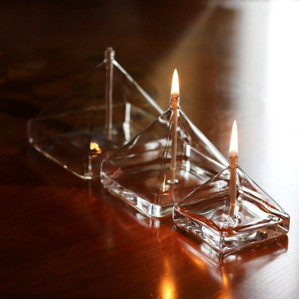 lampe-huile-verre-pyramide