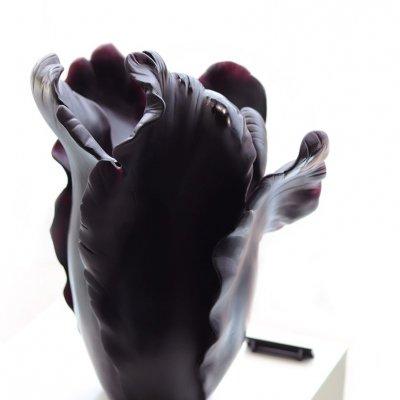 vase-tulipe-cristal-noir-daum