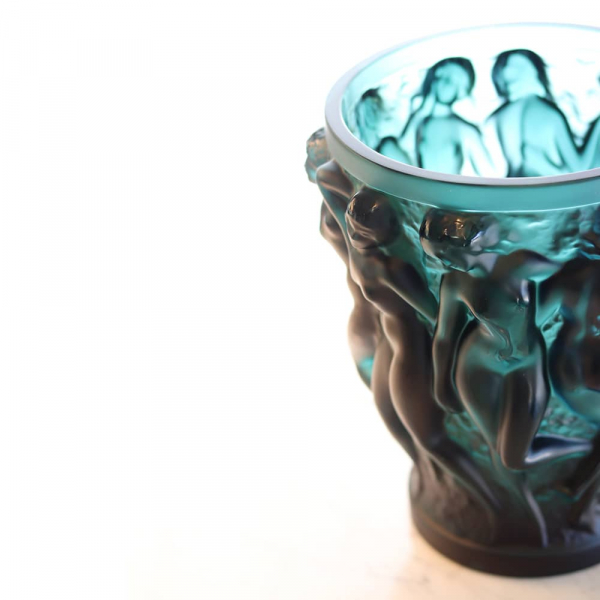vase-bacchantes-cristal-vert-rene-lalique