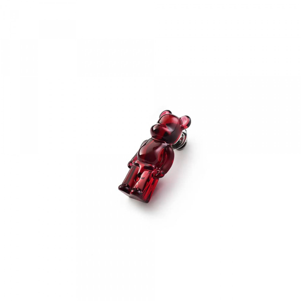 pins-bearbrick-rouge-baccarat