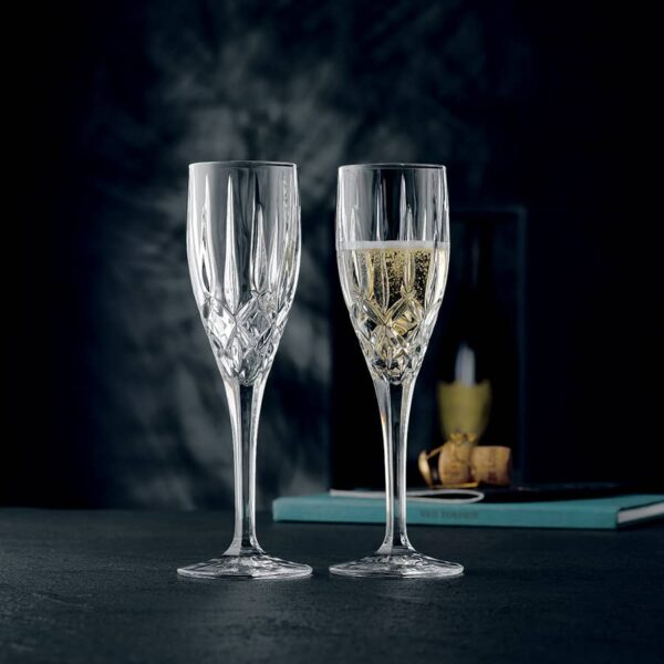 flute-champagne-noblesse-taille-diamant