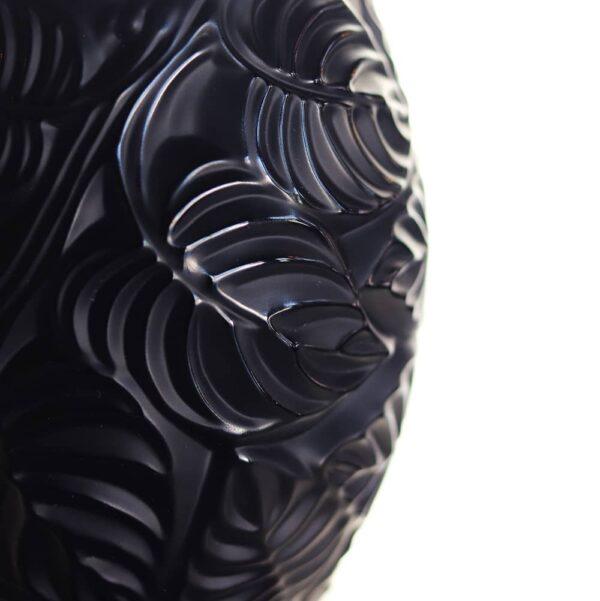 vase-feuille-noir-lalique